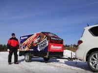 Легковой прицеп и снегоход. Видео